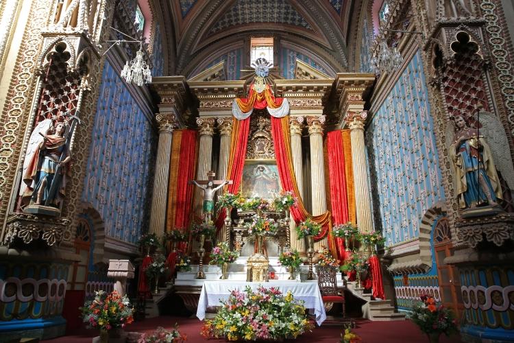 interior-del-santuario