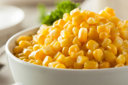depositphotos_69443749-stock-photo-organic-yellow-steamed-corn